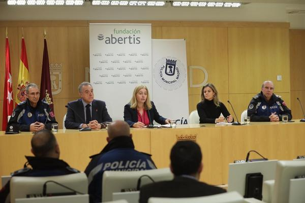 The Abertis Foundation organizes in Madrid 'You have one life left', the awareness action for responsible driving at night