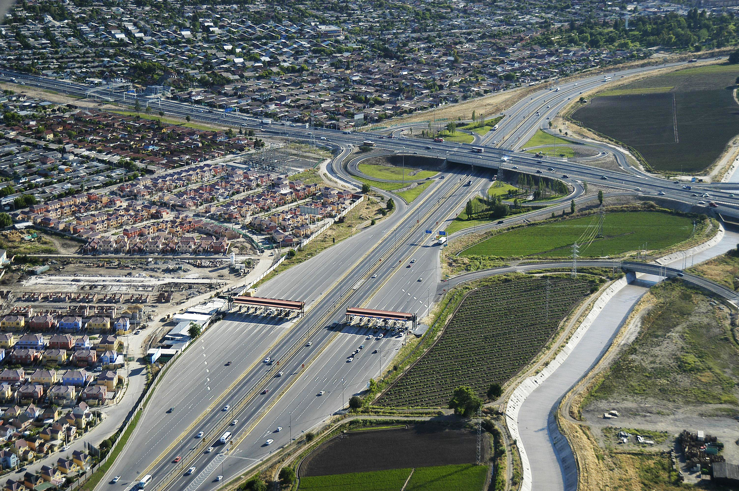 Abertis closes with the Chilean Government new investments in Autopista del Sol