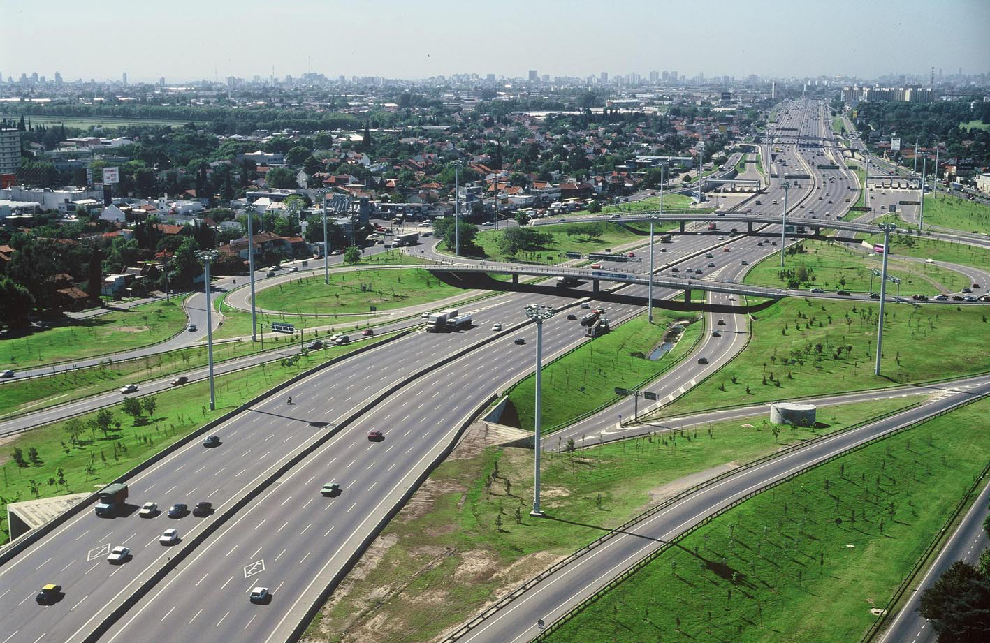 Abertis closes the investment agreements in its toll roads network in Argentina in exchange for the extension of the duration of its concessions