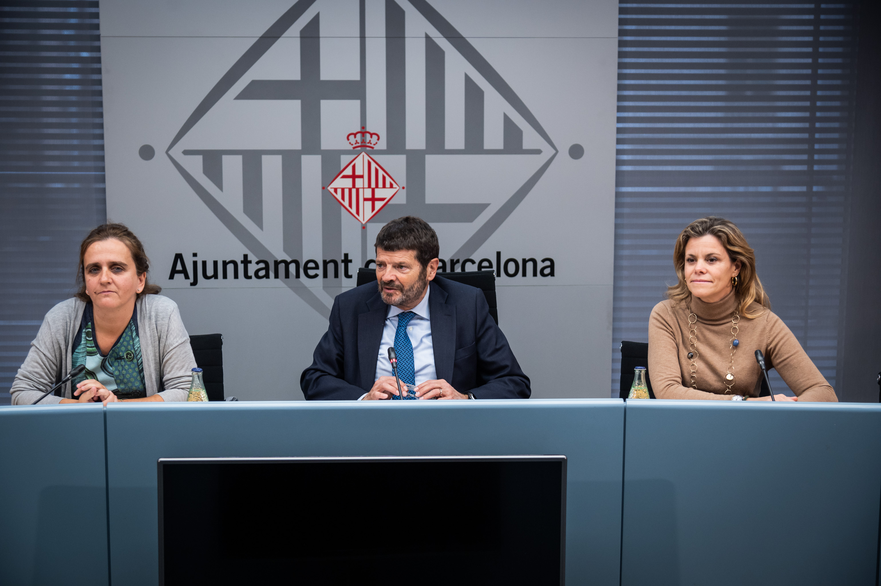 Barcelona City Council and the Abertis Foundation launch the 'El Apagón' campaign to raise awareness among young drivers of the dangers of drinking and driving this Christmas
